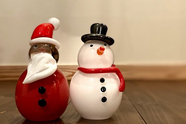 サンタと雪だるま...
